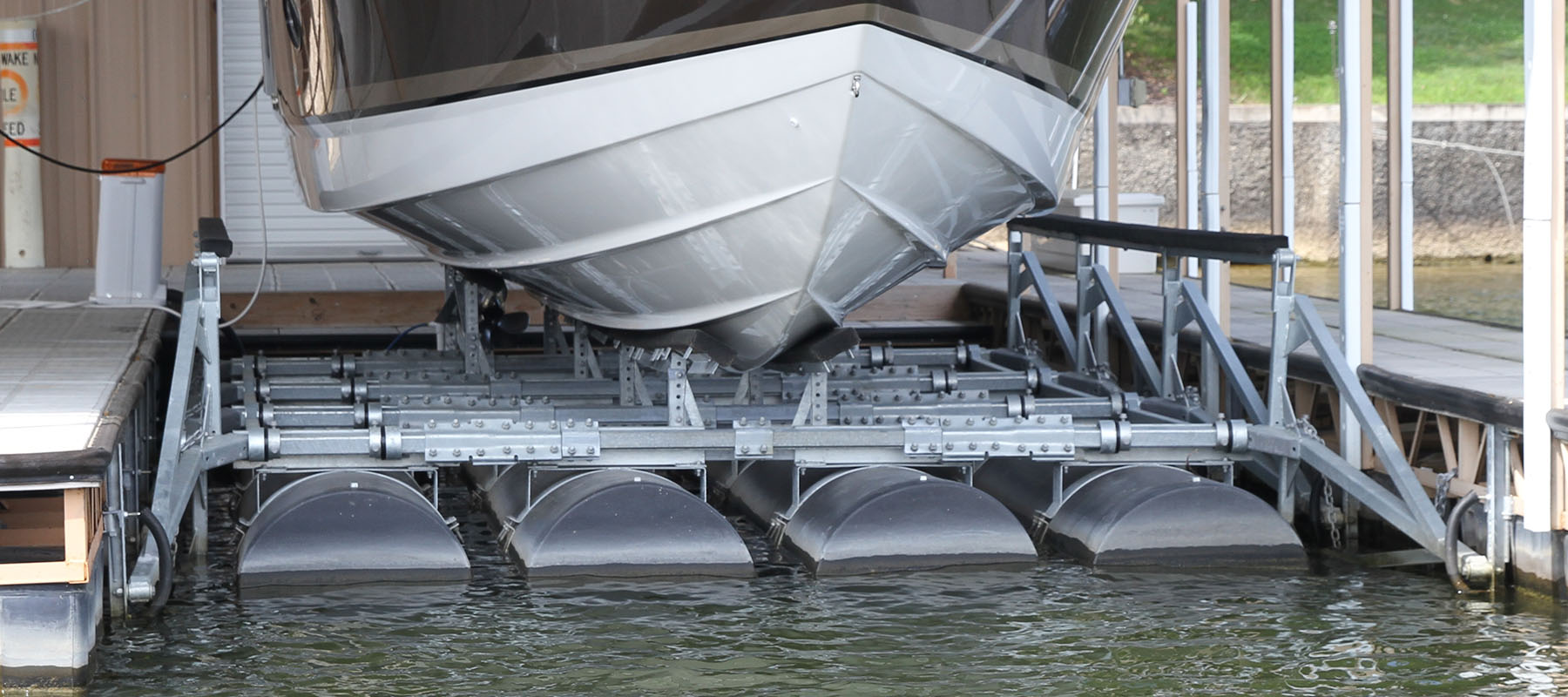 14,000 lb boat lift at the Lake of the Ozarks